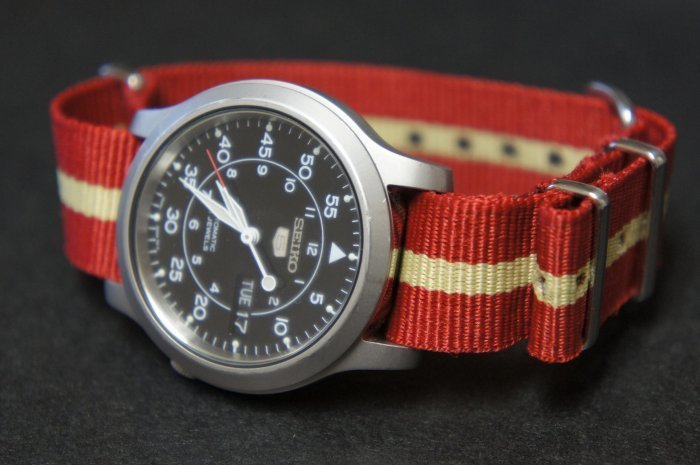 Red and Sand Stripe 16mm Nato Nylon Watch Strap