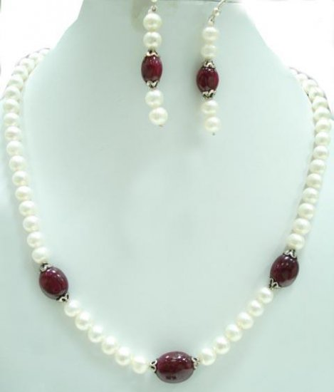 Designer Stunning fresh water pearl Necklace withsilver