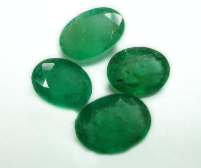 3.70ct stunning Natural Colombian Emerald Gemstone Lots