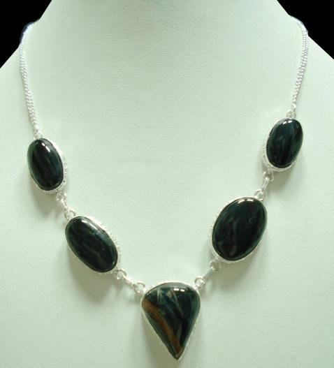 36.21Gms Handcrafted Onyx Gemstone & Silver Necklace
