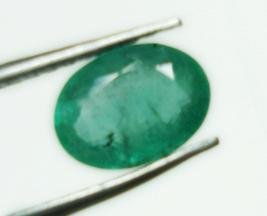0.84cts Natural Colombian Green Emerald Gemstone Oval