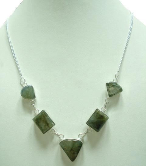 25.58Gm Stunning Labradorite Gemstone & Silver Necklace