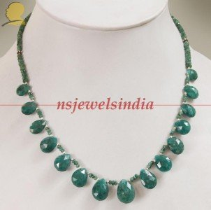 Designer natural green emerald gemstone Necklace