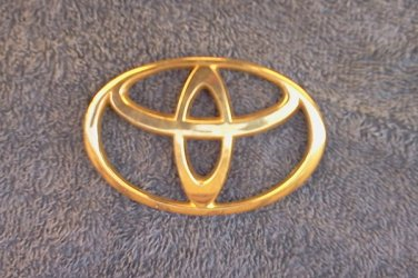 OEM Toyota Body/Dash/Trunk Emblem. GOLD Color 9.2cm