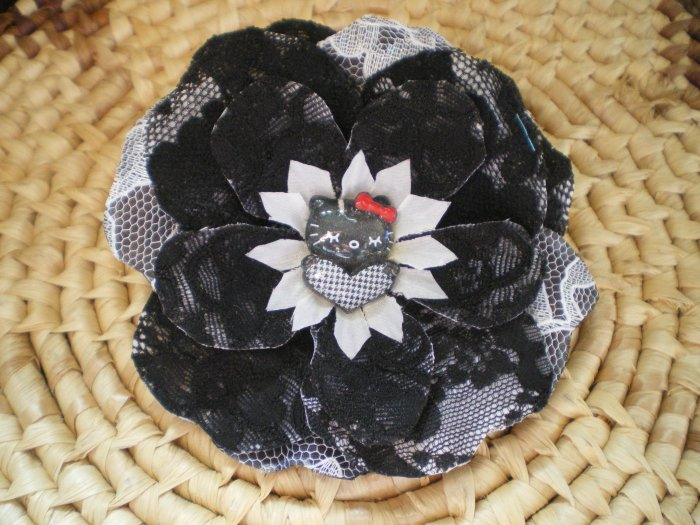 Black & white lace rose w/ black cat center
