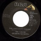 NM 45 RCA 447-0702 TOKENS Lion Sleeps Tonight/B'wa Nina