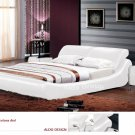 Barcelona Leather Platform King Bed White