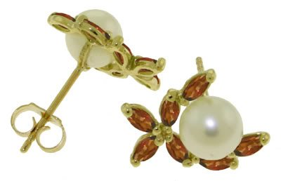 DD-3479Y:14K. GOLD STUD EARRINGS WITH NATURAL  PEARLS & GARNETS