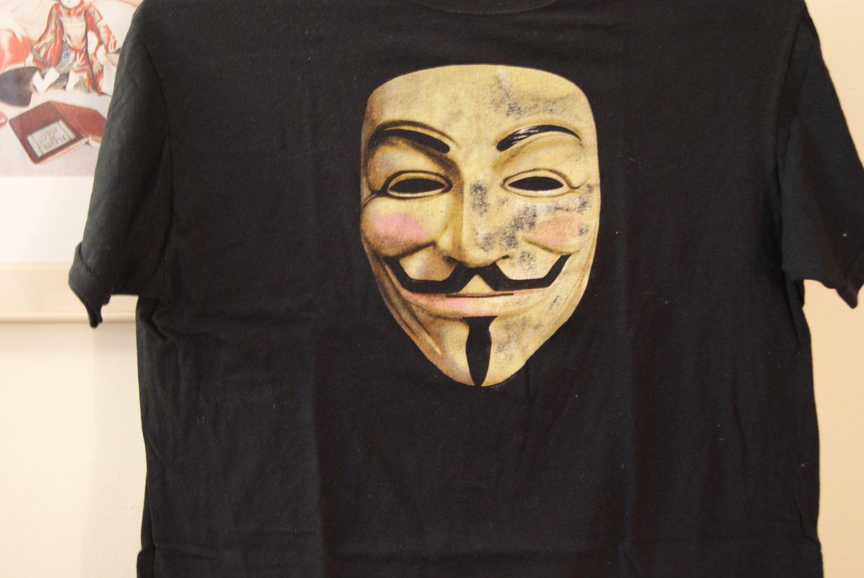 Anonymous / V for Vendetta tee