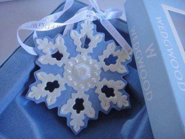 Wedgwood Blue White Porcelain Snowflake Ornament 2007