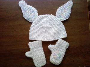 L@@K! DARLING NEW 3-PIECE INFANT BUNNY HAT& MITTENS SET
