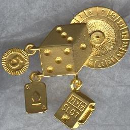 Fun GAMBLING CASINO Charm Pin!  Very GOLDEN