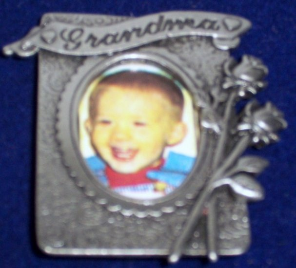Grandma Pin Brooch Place for Picture NEW Gift Box