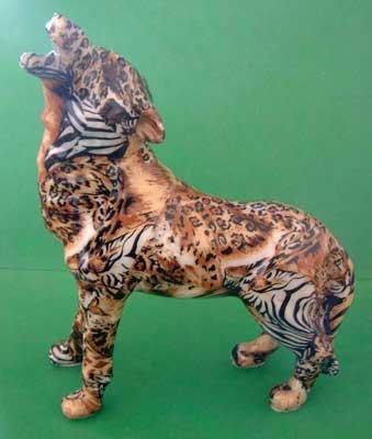 Wolf Howling Safari Animal Design - Leopard Lion Zebra Cheetah