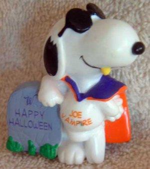 SNOOPY 'Joe Vampire' Halloween Holiday Ornament