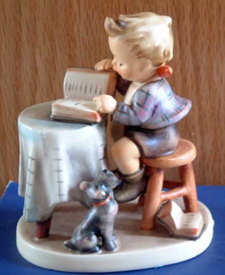 Little Bookkeeper :: M.I. Hummel #306 :: TMK-6