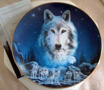 'Eyes of the Night' Wolf Hamilton Collection Collector Plate