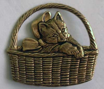 Cat Kitten Bow in Basket Antiqued Brass NEW