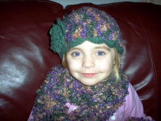 "Handmade ""mauve/green"" Scarf & Hat Set"
