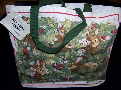 TOTE BAG RABBIT BUNNY BUNNIES  STRAWBERRIES NWT