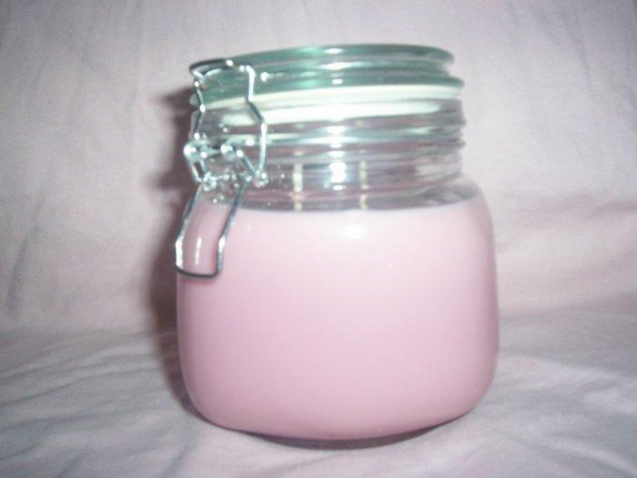 "IntenScents Soy Candle 20oz jar ""Cinnabun"""