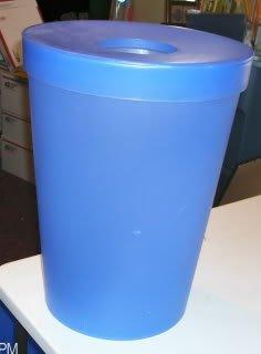 Medium Sized Wastebasket, Plastic, Lid & Opening, Blue
