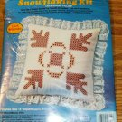 BROWN ON WHITE LACEY SNOWFLAKING PILLOW KIT-OAK LEAVES
