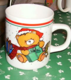 Bear with Presents Cute Christmas Coffee Cup,Red/Green