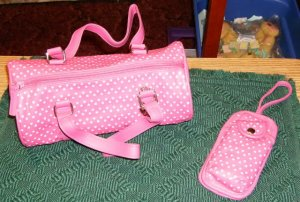 PRETTY PINK HEART BARREL PURSE &   CELL PHONE CASE