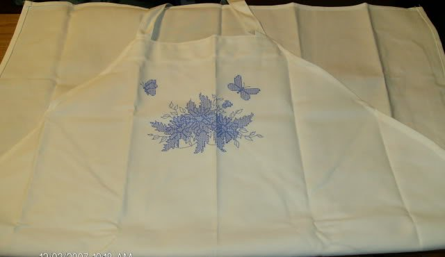 BUTTERFLY BUTCHER APRON  - VERY PRETTY - EMBROIDERY