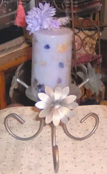 PRETTY SILVER CANDLEHOLDER WITH CANDLE/FLOWER