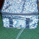 INSULATED LUNCHBAG, BLUE HANDKERCHIEF DESIGN, NEW, NICE