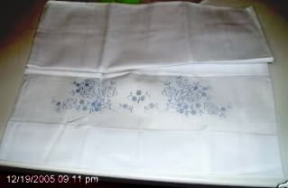 PRETTY FLORAL DESIGN PILLOW CASES