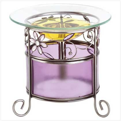 Purple glass/flower oil warmer