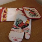 Rooster 4 Pc Kitchen Towels Hot Pad and Oven Mitt Red  New