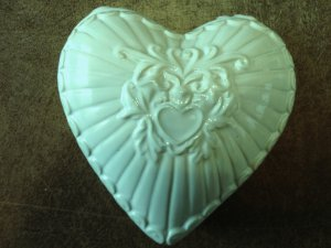 Ceramic Heart Shaped Candle - Light Gingham Scent - Green
