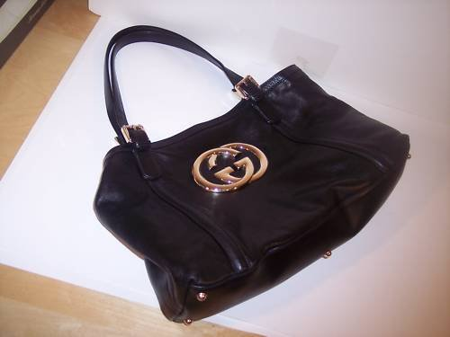 "AUTH GUCCI BRITT ""GG"" LOGO MEDALLION TOTE BAG PURSE"