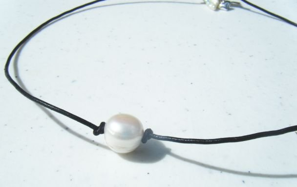 """16"""" Leather and Pearl Necklace w/ Silver Charms 'Black Prissy'"""
