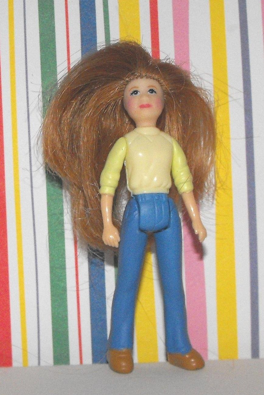 *SOLD~FISHER PRICE SWEET STREETS SALON STYLIST DOLL