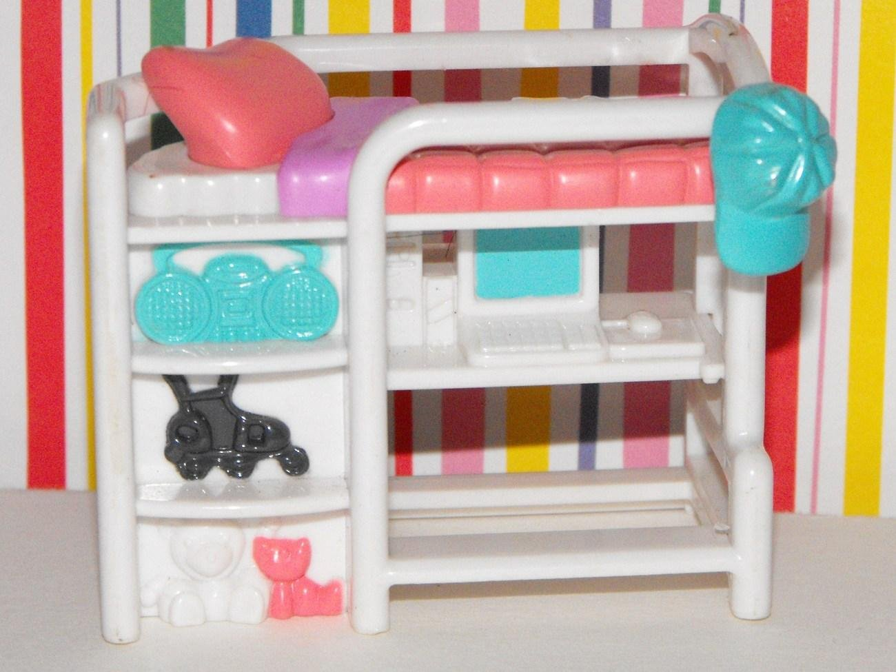 FISHER PRICE SWEET STREETS BEACH HOUSE BED