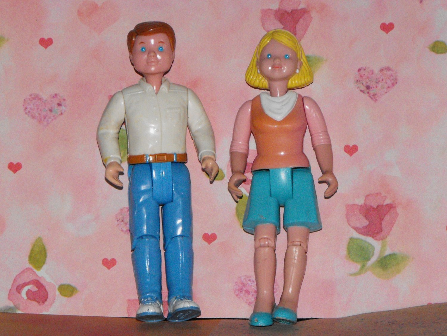 *SOLD~Awaiting Feedback~FISHER PRICE LOVING FAMILY DOLLHOUSE1993 PARENT DOLLS PEOPLE