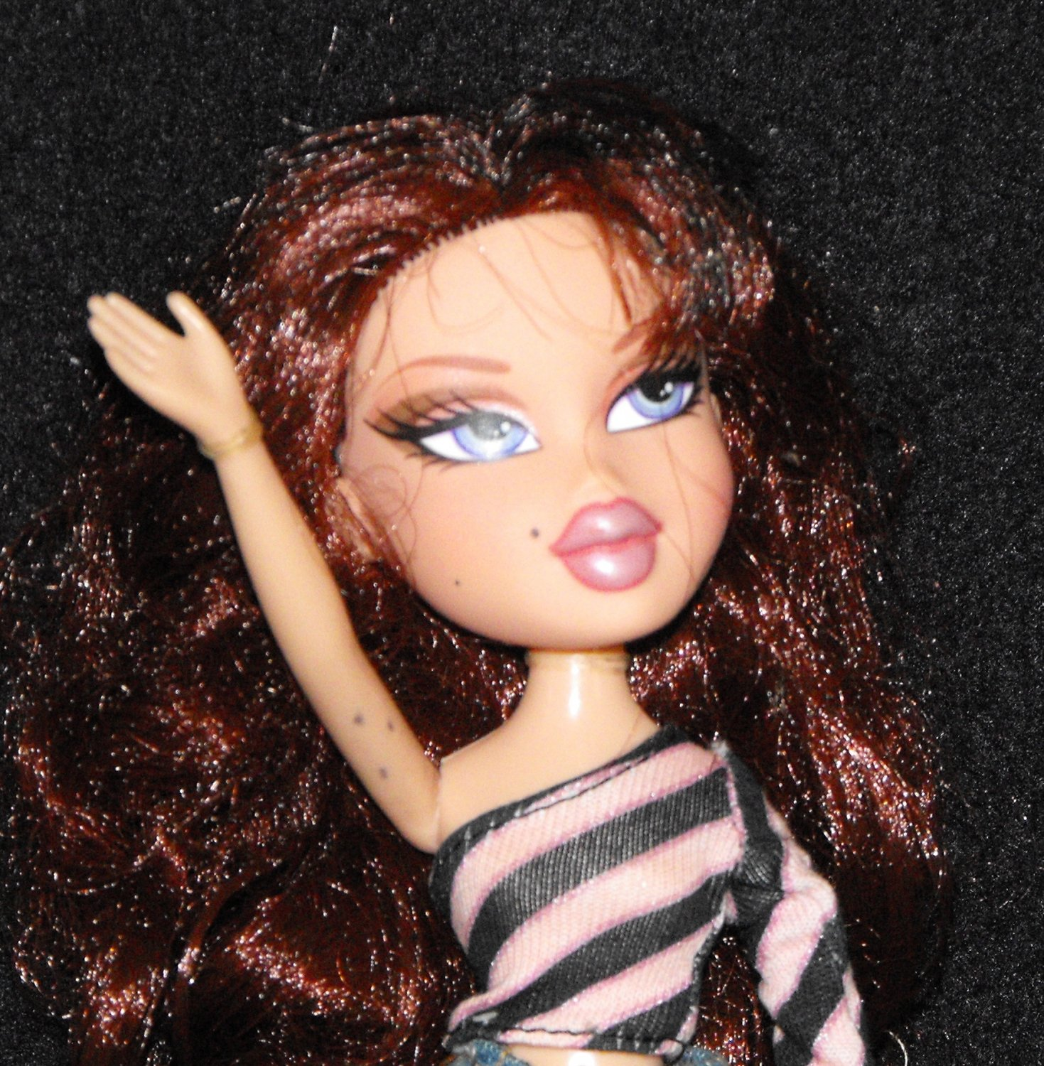 6/13*SOLD~Bratz Twinz Phoebe Rare In Original Outfit