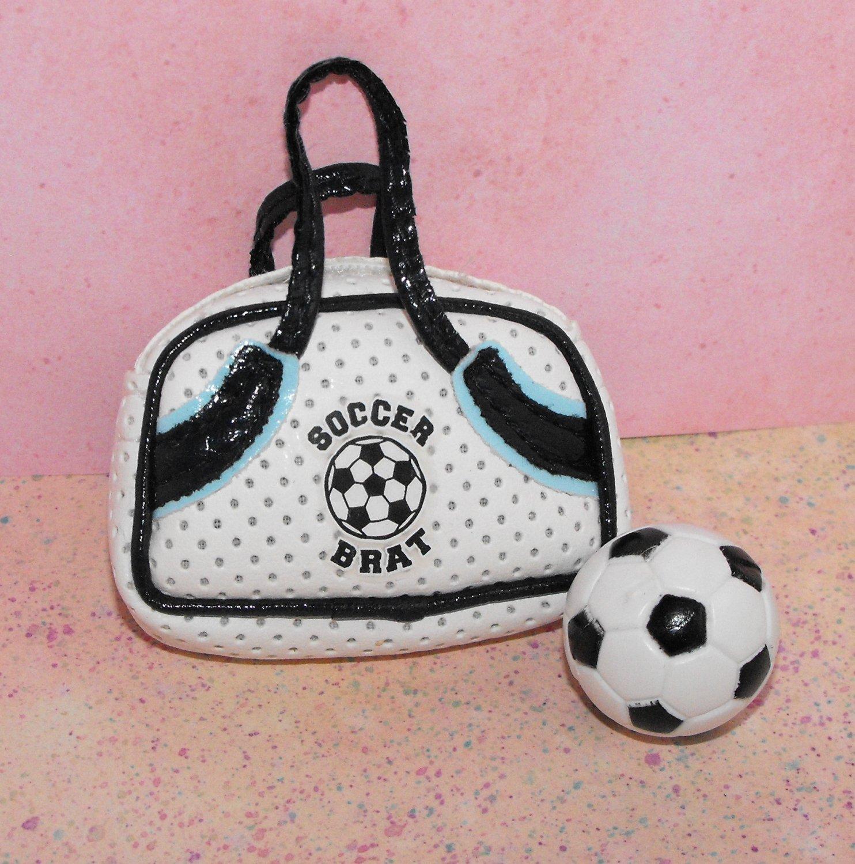 Bratz Play Sportz Yasmin Cloe Doll Soccer Bag and Ball Part