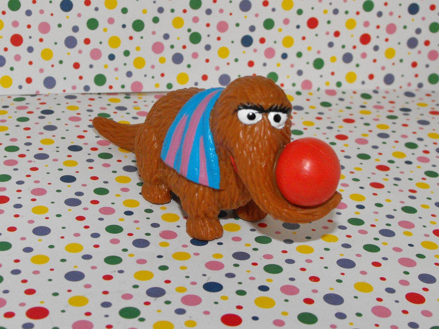 12*SOLD~Snuffleupagus PVC Figure Circus Performer Ball Applause