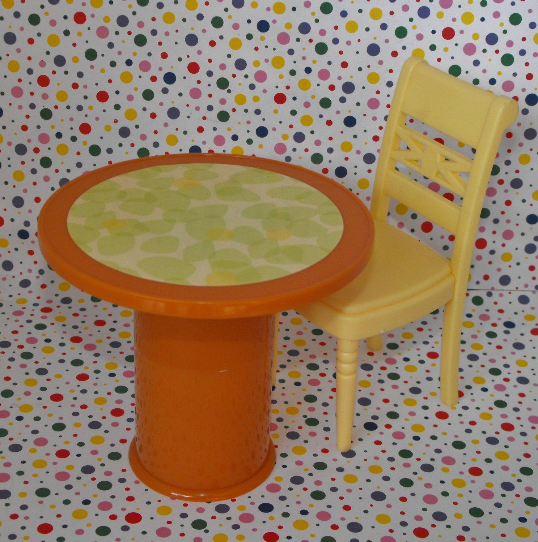 Hannah Montana Malibu Beach House Furniture Tall Table and Stool Set