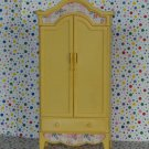 Barbie Folding Pretty Bedroom Playset Yellow Armoire Cabinet Part