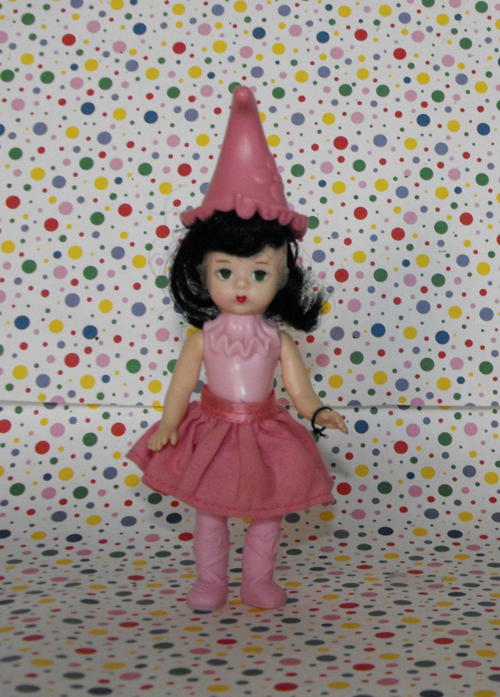 *10/16*SOLD~  McDonalds Madame Alexander Wizard of Oz Lullaby Munchkin