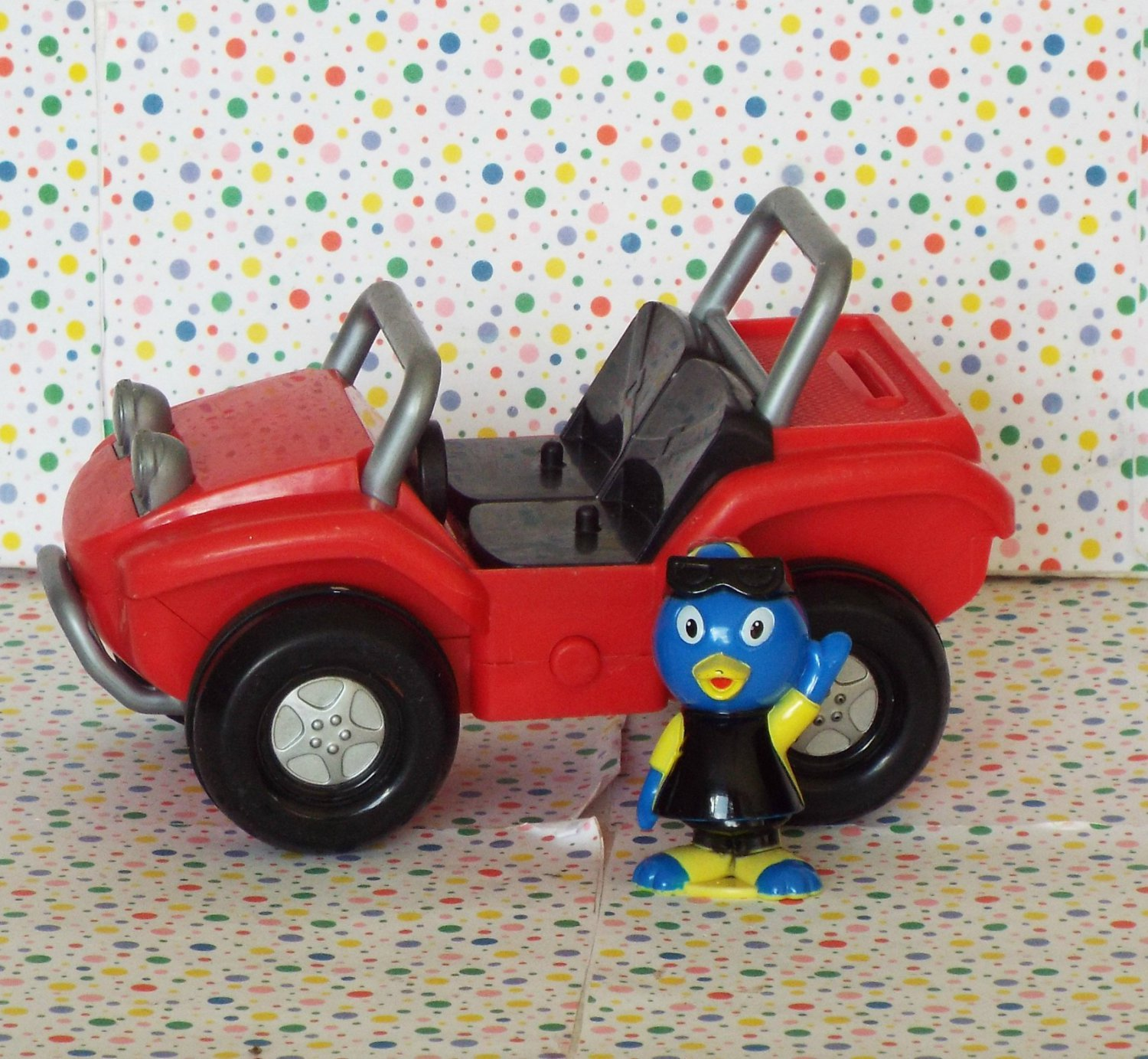 rc car stores with Fisher Price Backyardigans Bobblin Dune on Fisher Price Backyardigans Bobblin Dune besides Magic Tracks Race Track With 2 Cars 360PCS 222672264705 as well 443112050810543577 additionally 32736277853 also 32318229377.