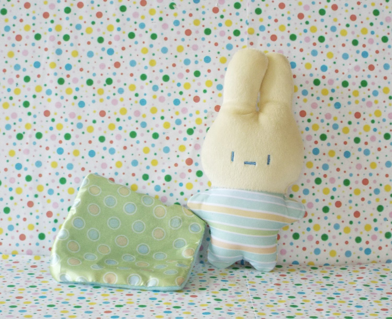 Fisher Price Newborn Rock n' Play Sleeper Bunny Plush Crib Toy