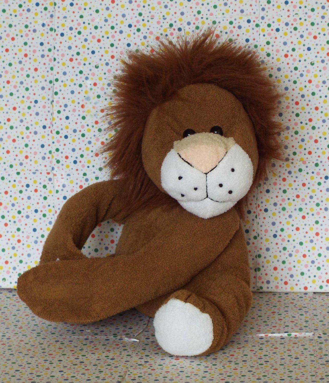 Toys R Us Animal Alley Lion Stuffed Animal Lovey